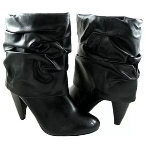 Icora black large cuffed ankle boots Shoes Size 9